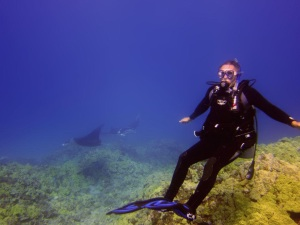 My first dive in Kona, with Giant Manta's at 90 feet
