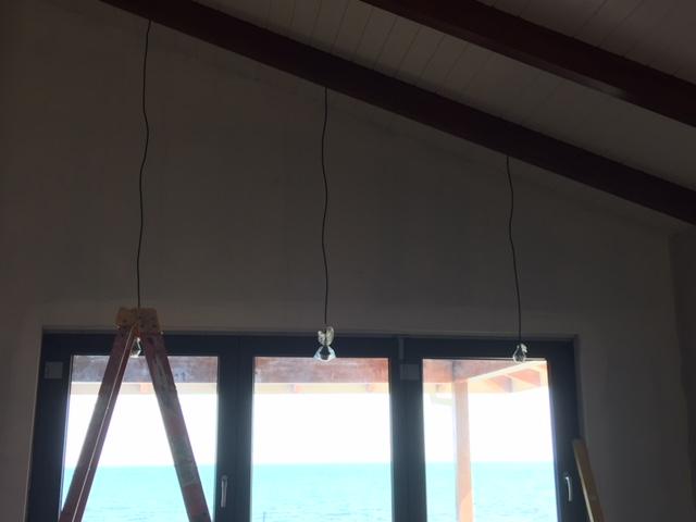 hanginglightswindow
